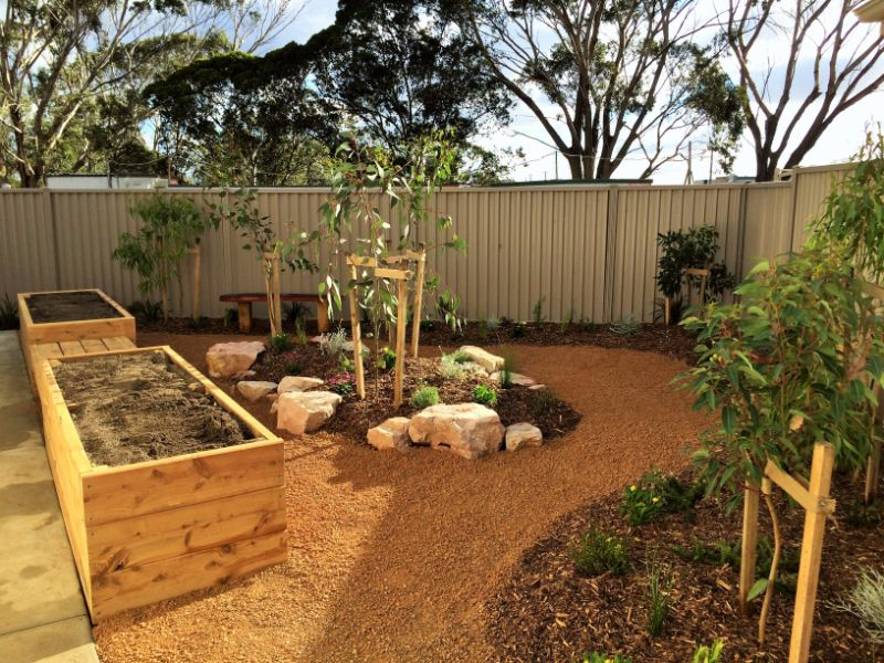 Australian native garden green stone landscapes geelong for Native garden designs